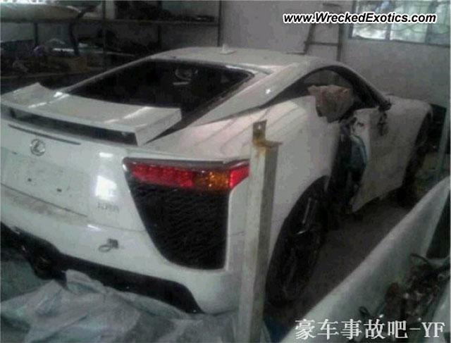 Lexus LFA Crashed in China