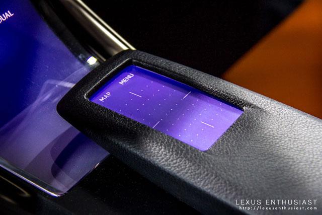 Lexus LF-CC Coupe Touchpad