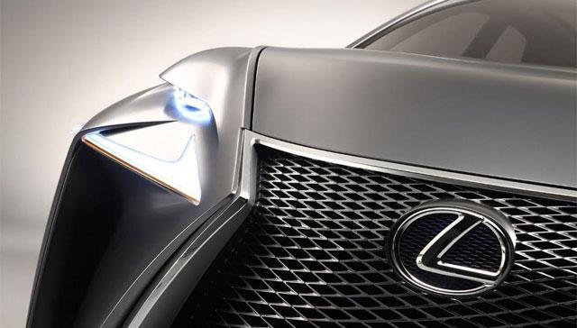 Smaller Lexus Compact Crossover