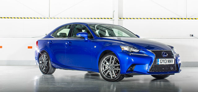 Lexus IS 300h Ultrasonic Blue