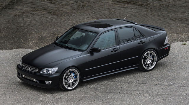 Lexus IS 300 by Maricar Cortez