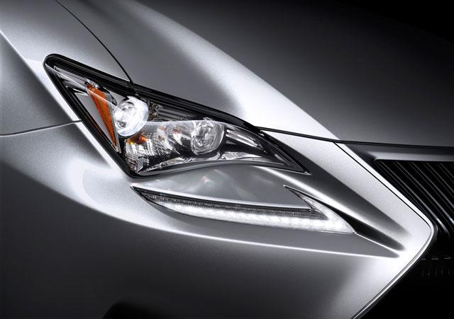 Lexus RC Headlight 1