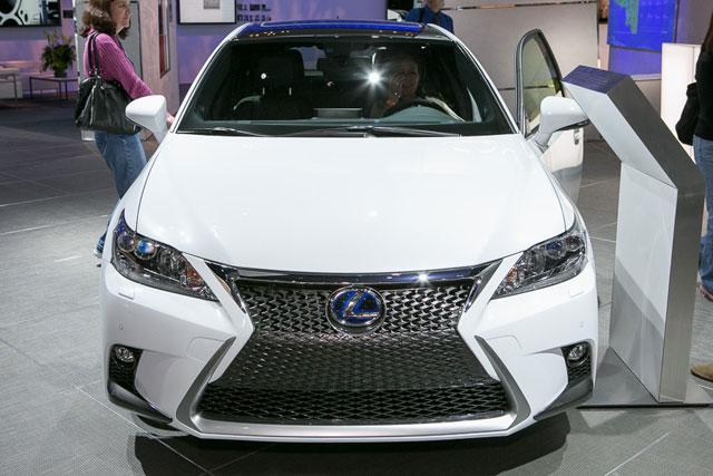 Lexus CT 200h 2014 Front