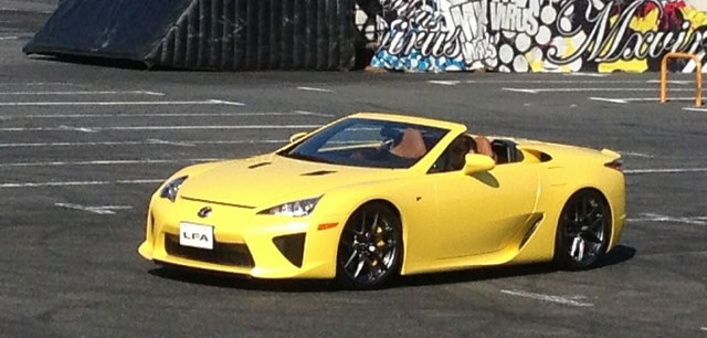 Lexus LFA Yellow Spyder