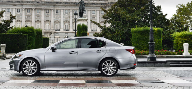Lexus GS 300h Review by The Telegraph