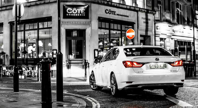 Lexus GS 300h Black & White