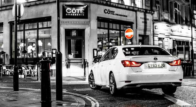 Lexus GS 300h Black & White