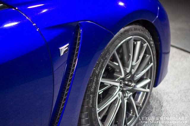 Lexus RC F F Badge