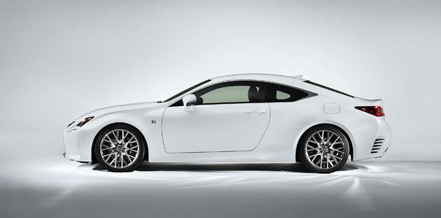 Lexus RC F SPORT Side