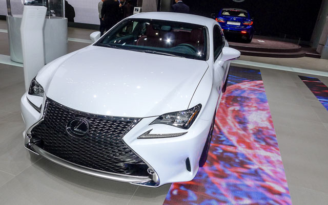 Lexus RC F SPORT Photos