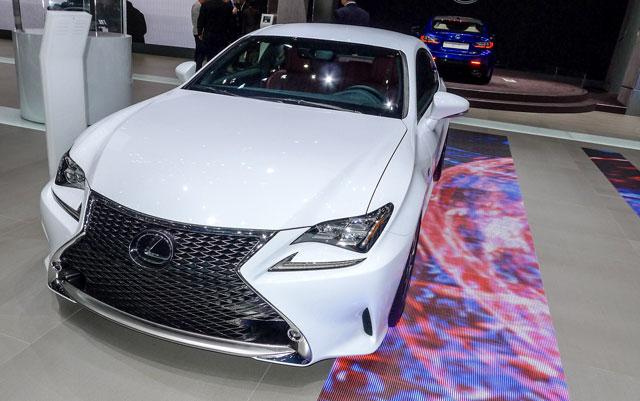 Lexus RC F SPORT Photos