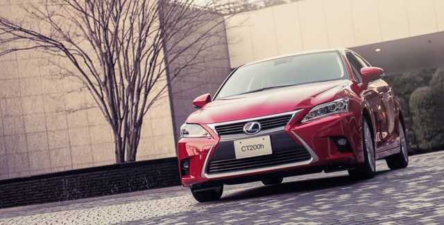 Lexus CT 200h International