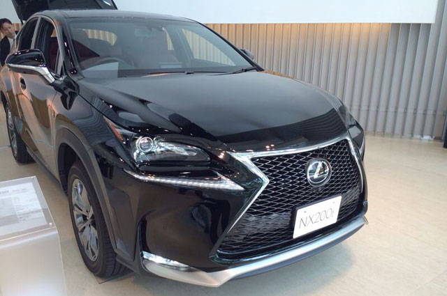 Lexus NX F SPORT in Black