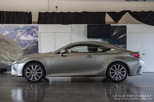 Lexus RC Side