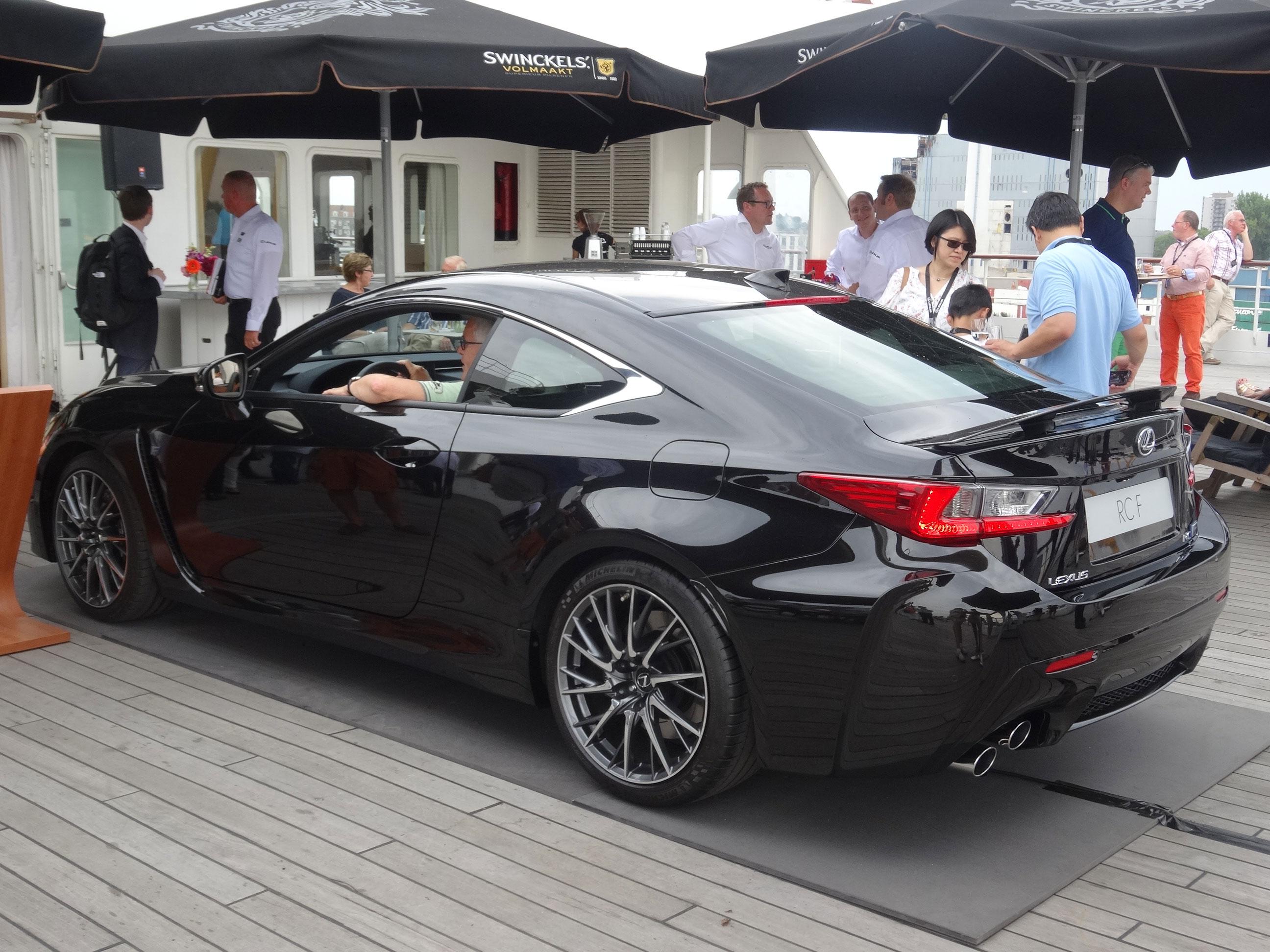 Photos Black Lexus Rc F With Full Carbon Fiber Package