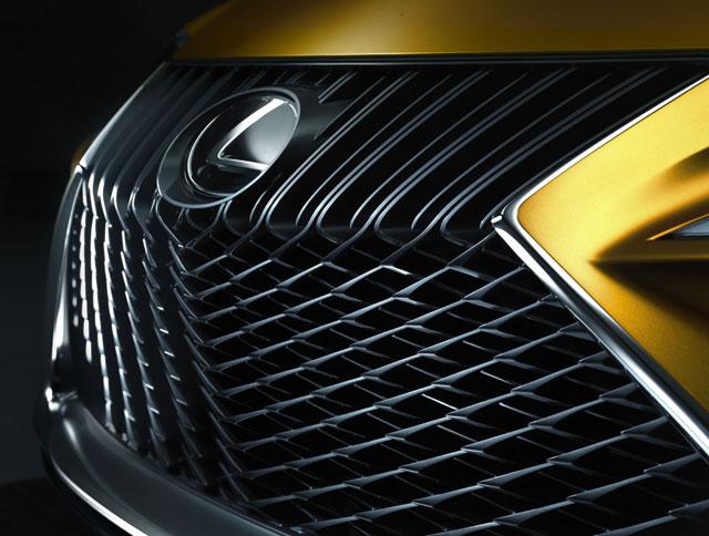 Lexus LF-C2 Front Grille