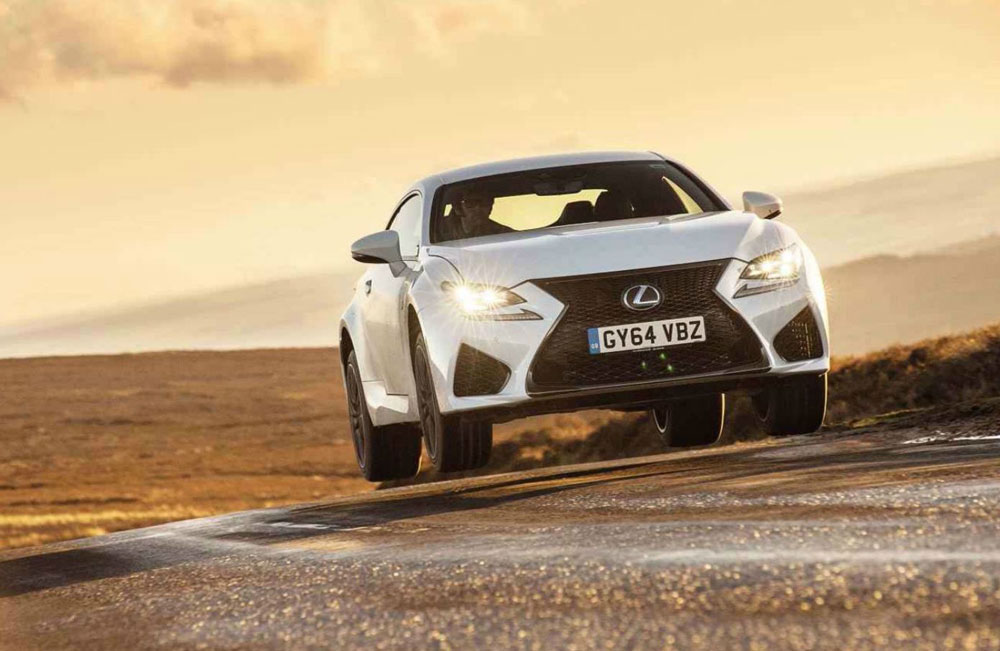 Lexus RC F Flying