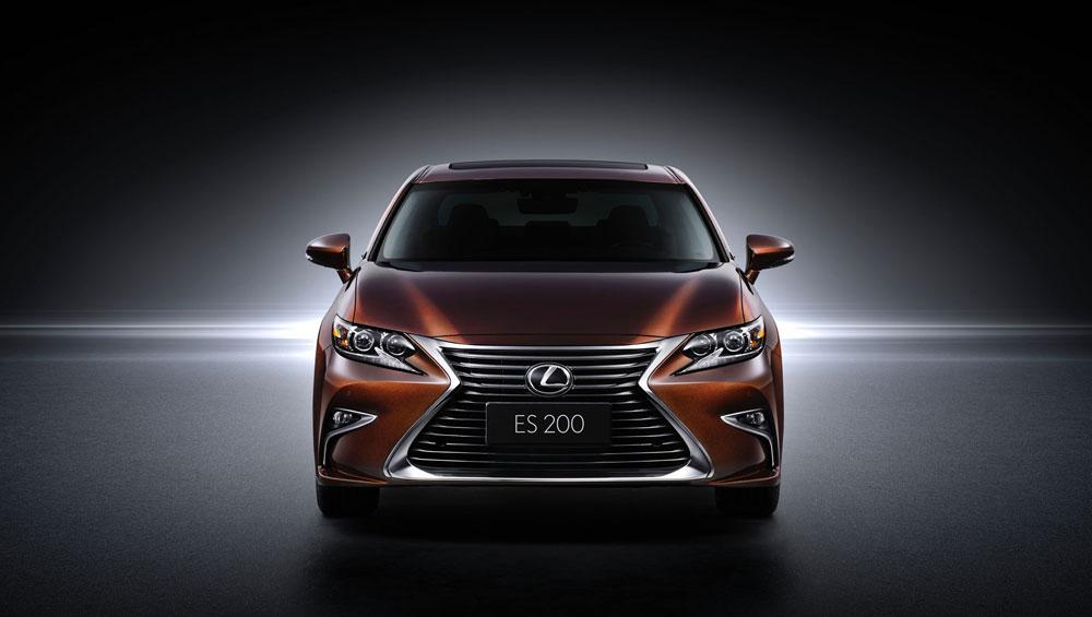 Lexus ES 200 Front
