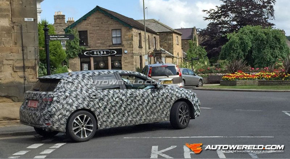 Lexus CT Next-Gen Prototype Spotted