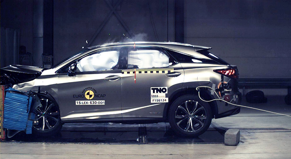 Lexus RX Crash Test NCAP