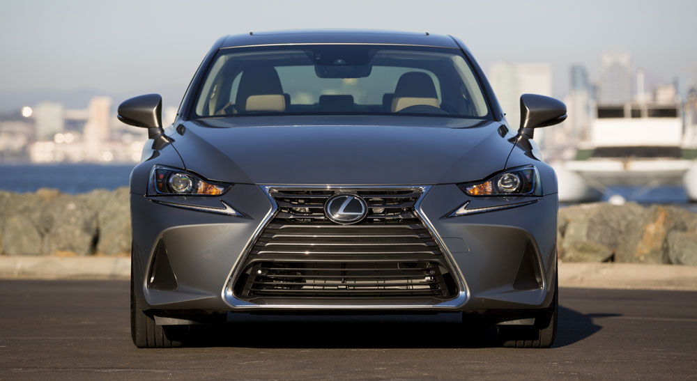 Lexus IS 2017 Standard Front