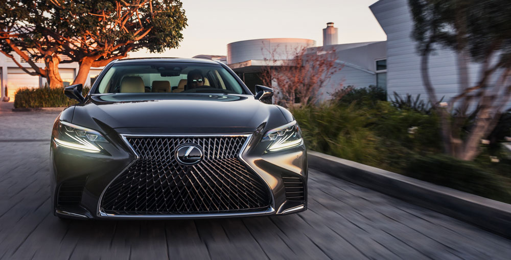 Lexus LS Dynamic 3