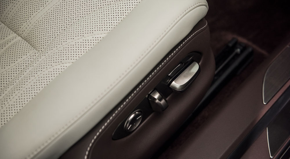 Lexus LS Seat Controls