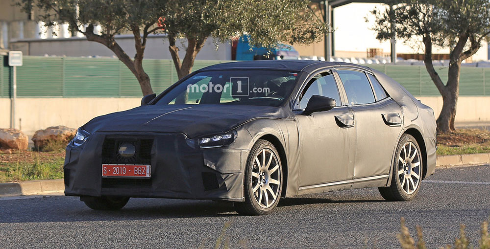 Lexus LS Prototype Spyshot