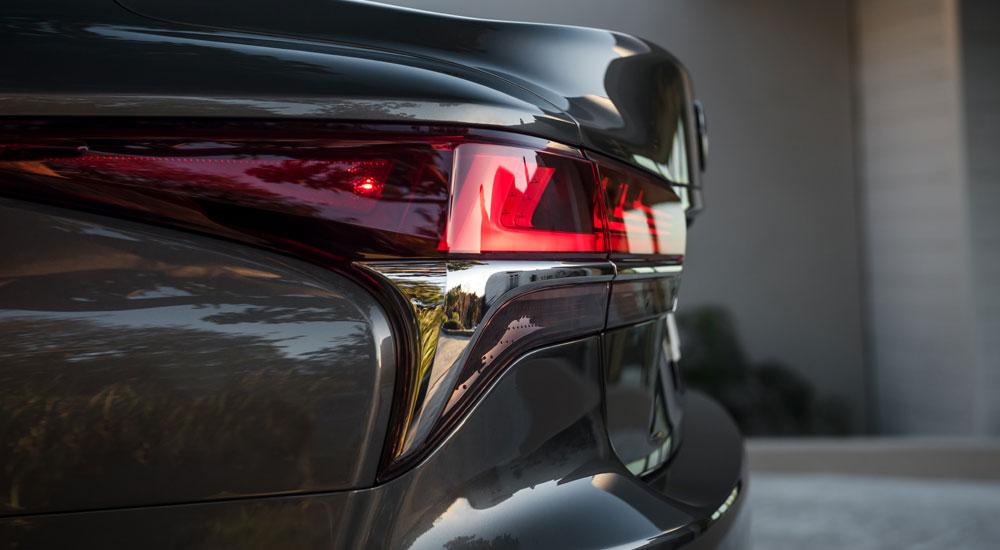 Lexus LS Taillight
