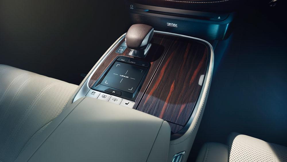 Lexus LS Hybrid Spotted