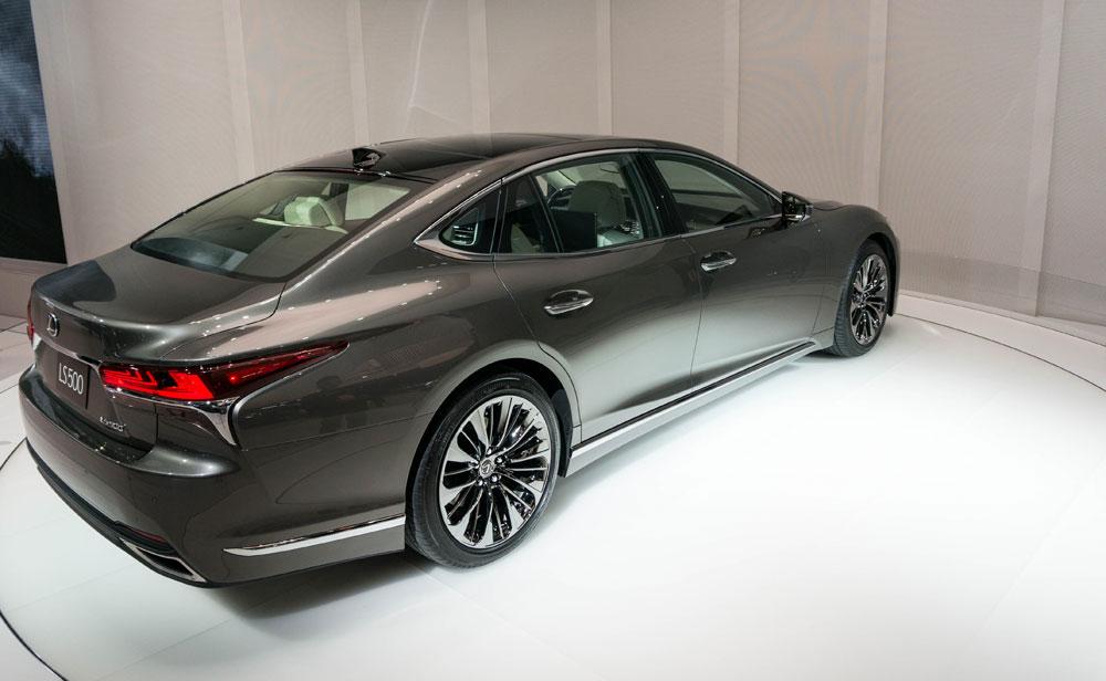 Lexus LS 2018 Stature