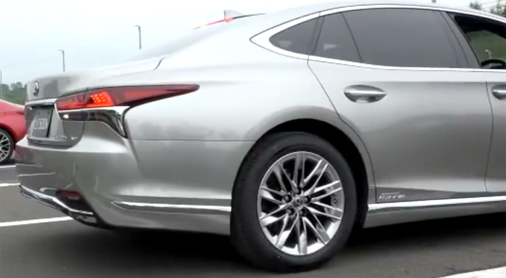 Lexus LS New Wheel Design