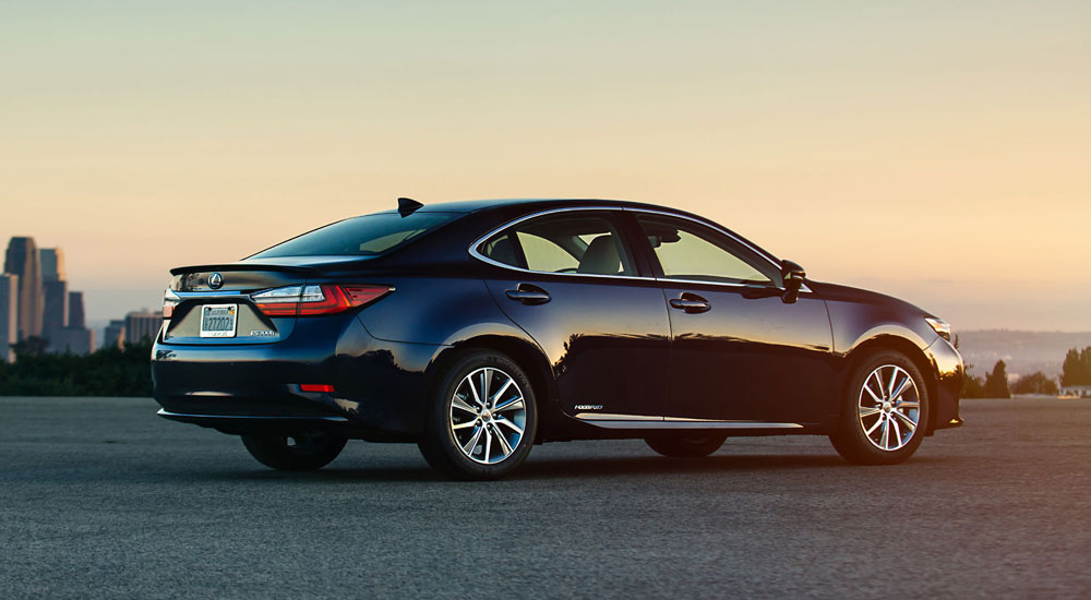 Lexus ES Sales Report