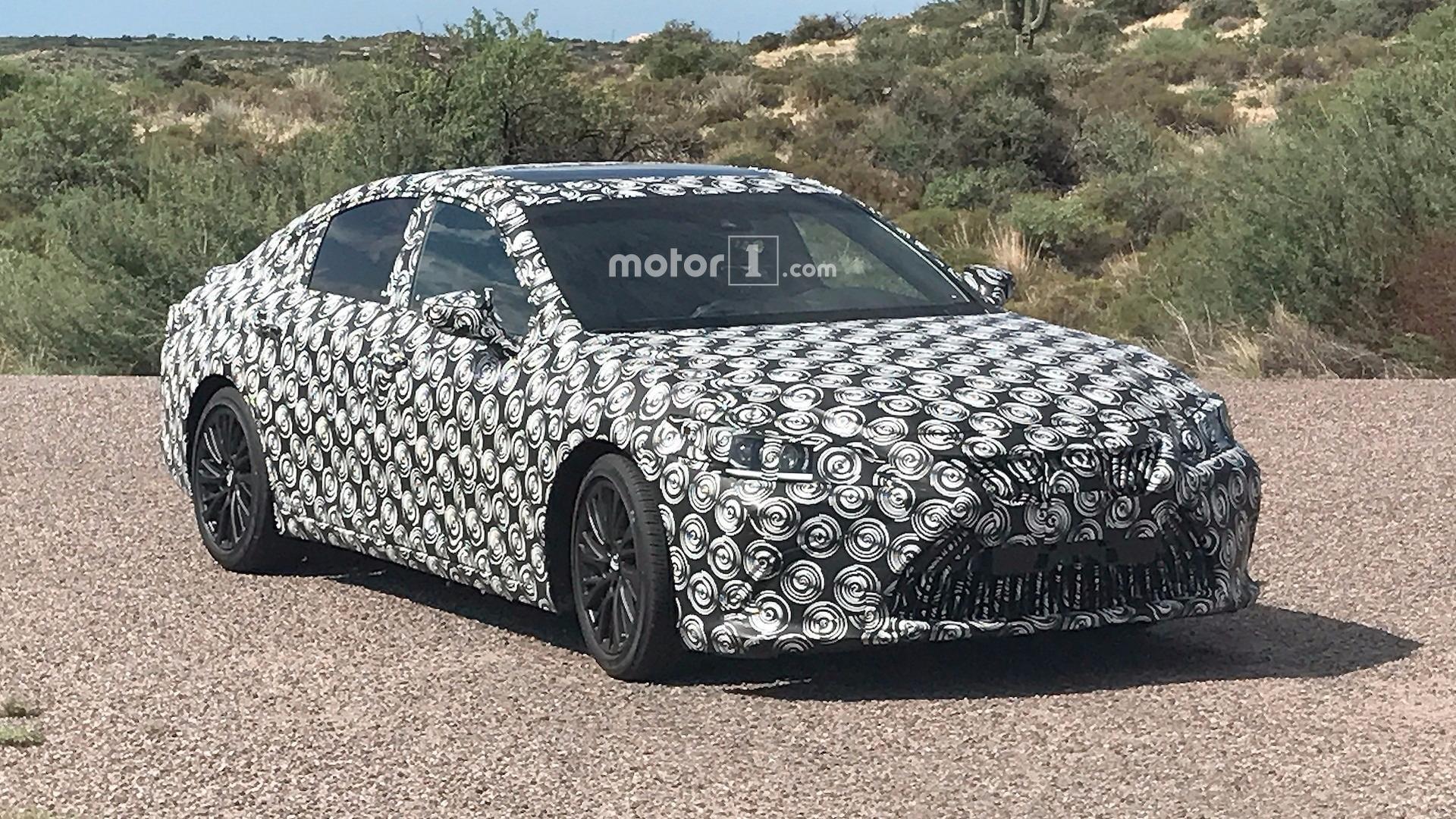 Lexus ES Standard