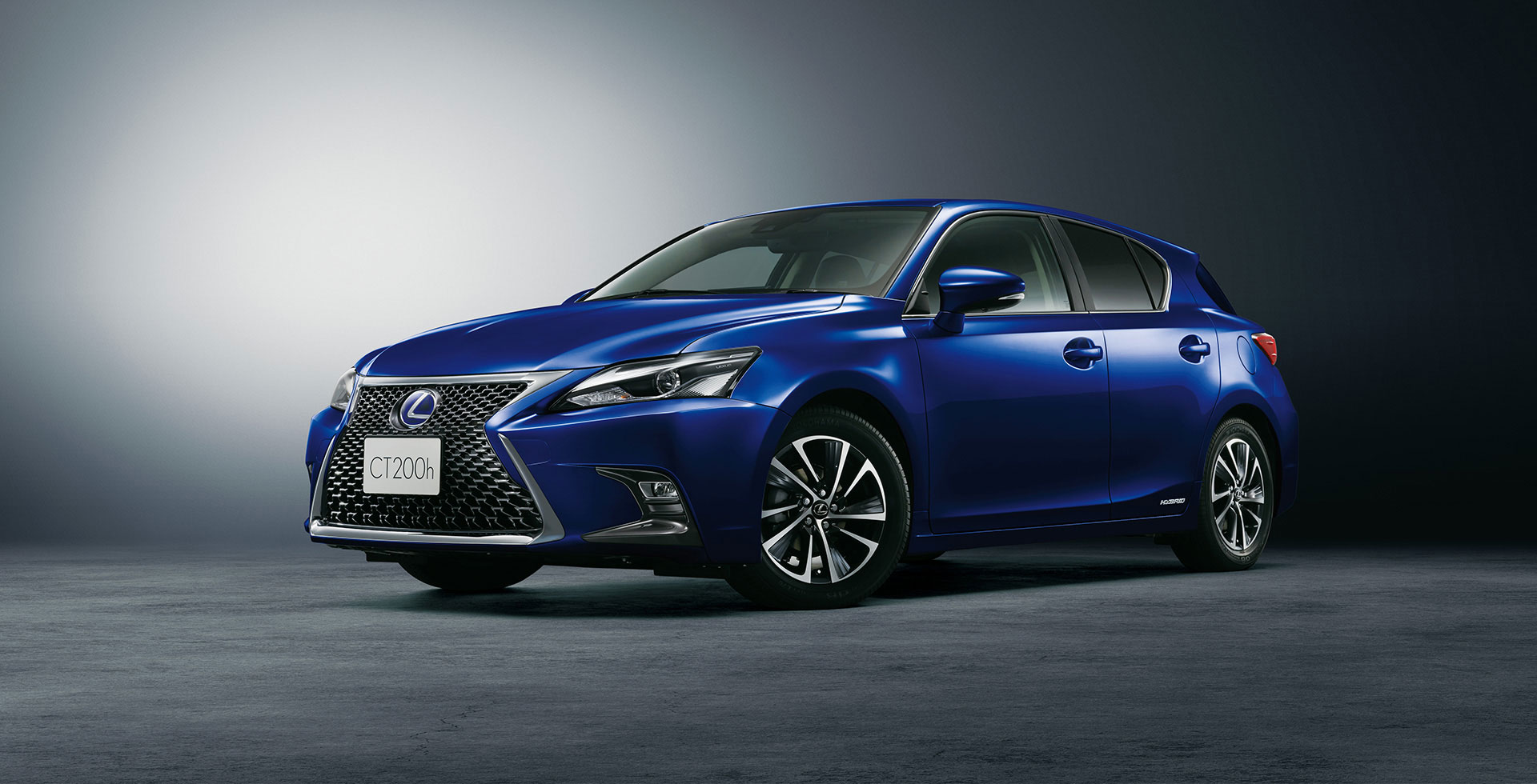 updated 2018 lexus ct 200h arrives at japanese dealerships