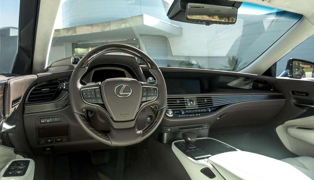 Lexus LS Interior Driving