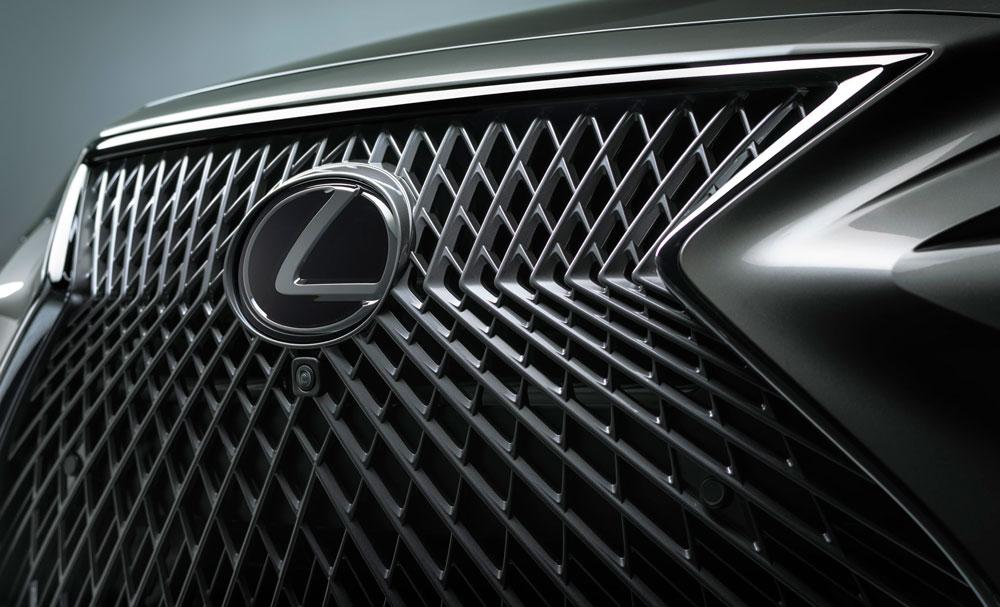 Lexus LS Spindle Grille