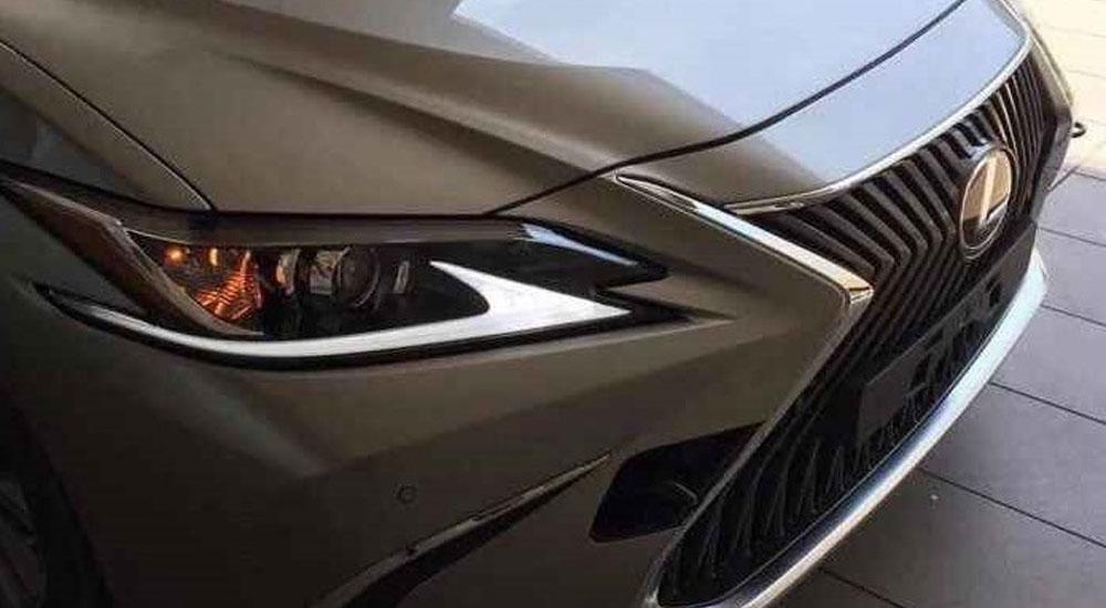 Lexus ES Hero Image