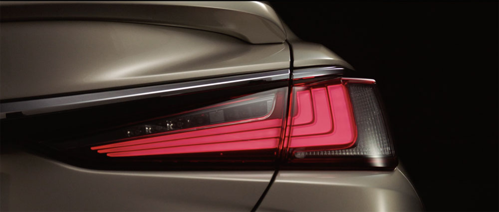 Lexus ES Rear Light