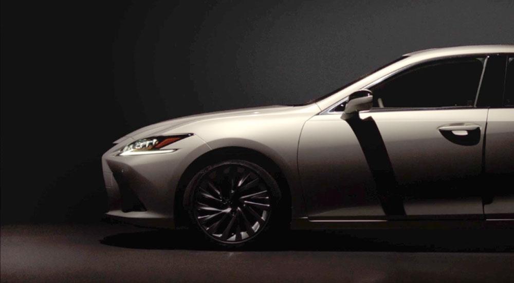 Lexus ES Front SIde