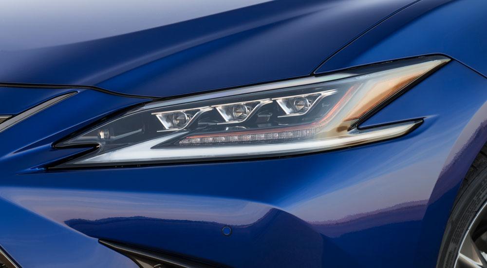 Lexus ES Headlight