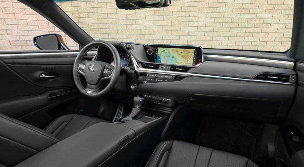 Lexus ES Interior Angle