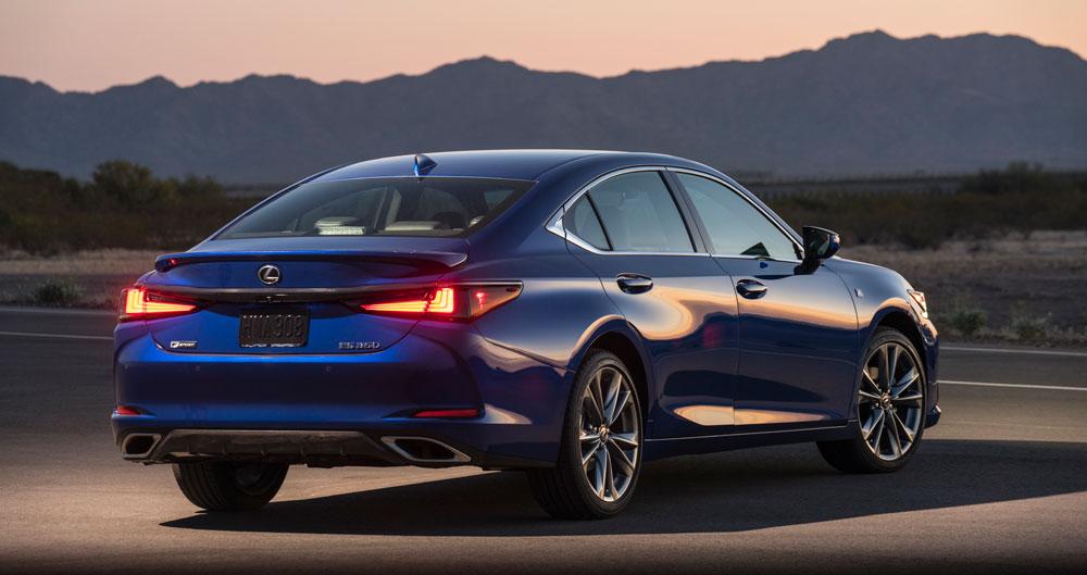 Lexus ES Rear