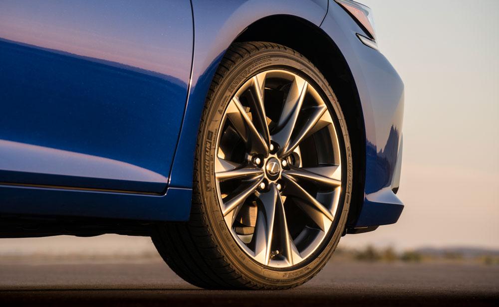 Lexus ES Wheel