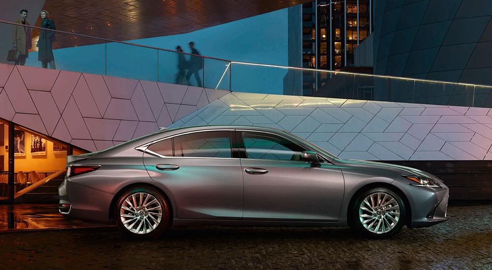 Lexus ES Side Profil