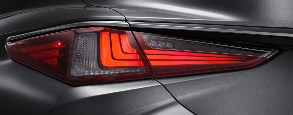Lexus ES Rear Combination Lamps