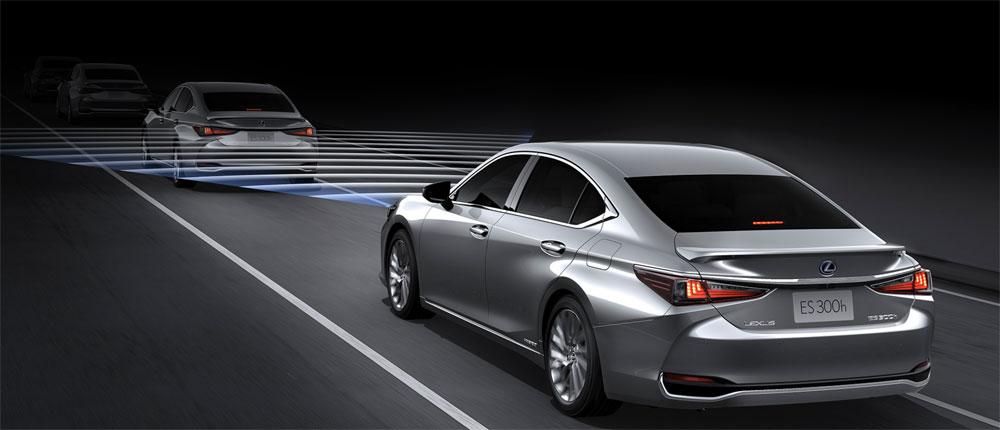 Lexus ES Dynamic Cruise Control
