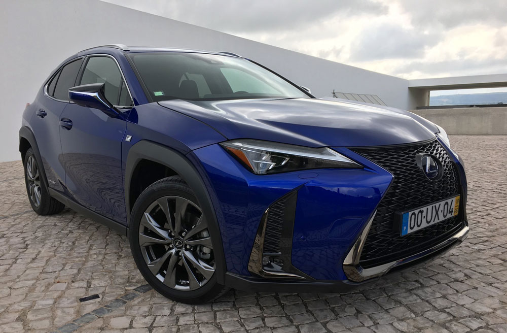 Lexus UX Ultrasonic Blue