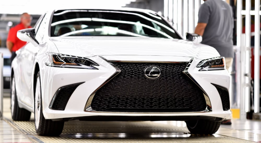 Lexus ES F SPORT Production Line