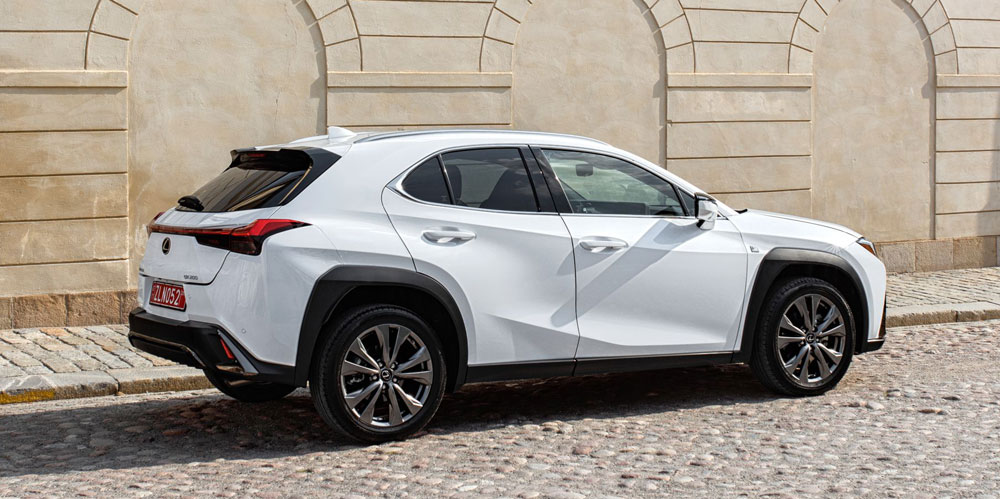 Lexus UX White